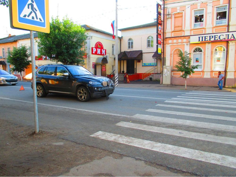 между бмв х5 сбил пешехода ярославль владевшее